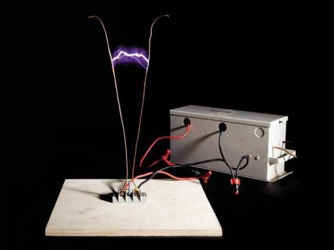 Jacob's Ladder electrical arc device